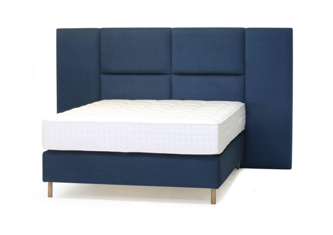 Leon bed2